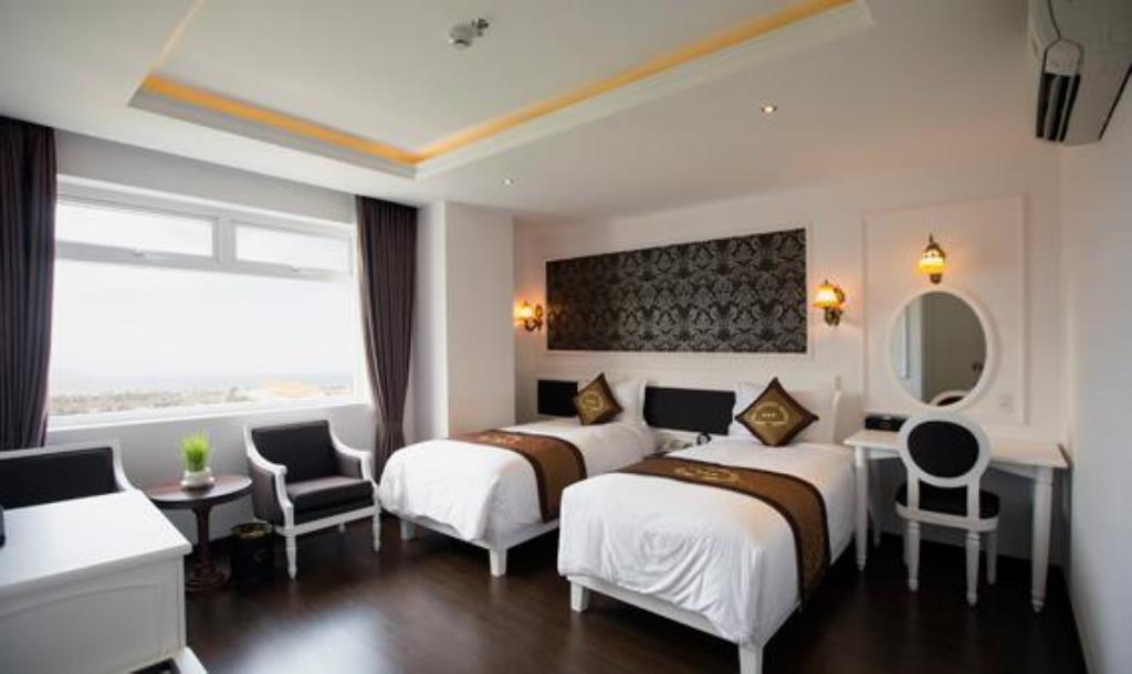 Phòng Superior khách sạn Sea Phoenix Đà Nẵng