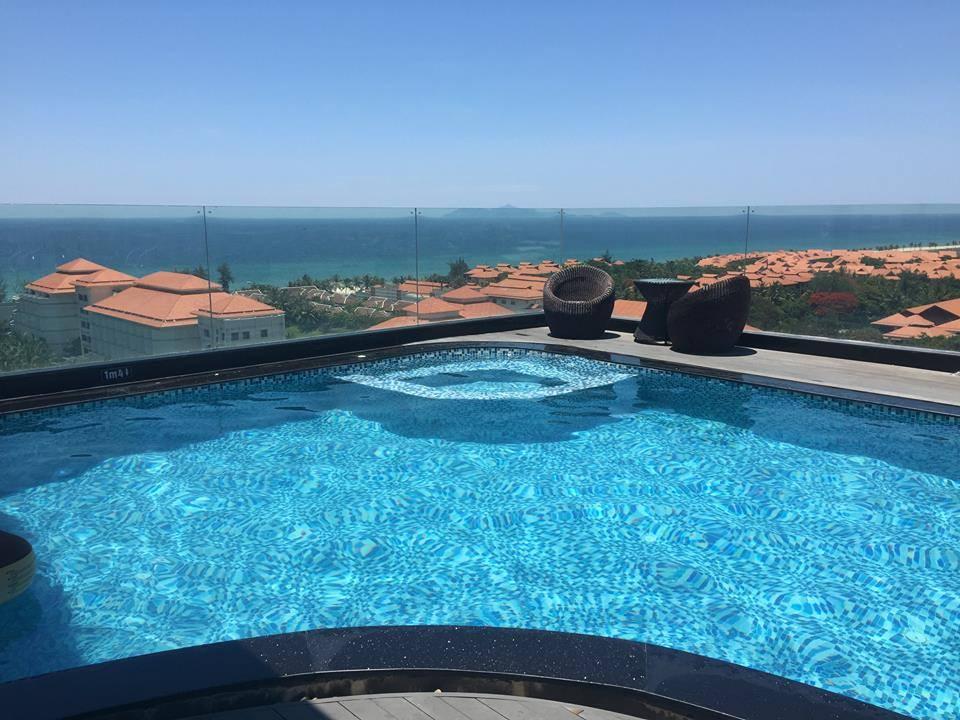 Hồ bơi khách sạn Sea Phoenix