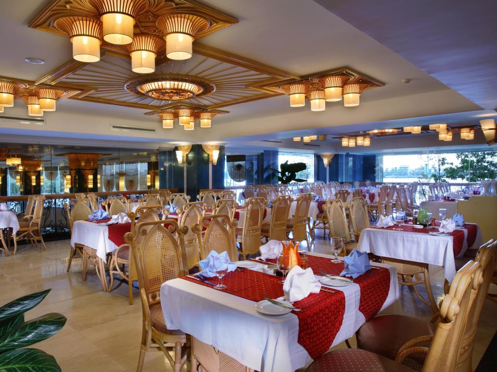 Nhà Hàng khách sạn Green Palza