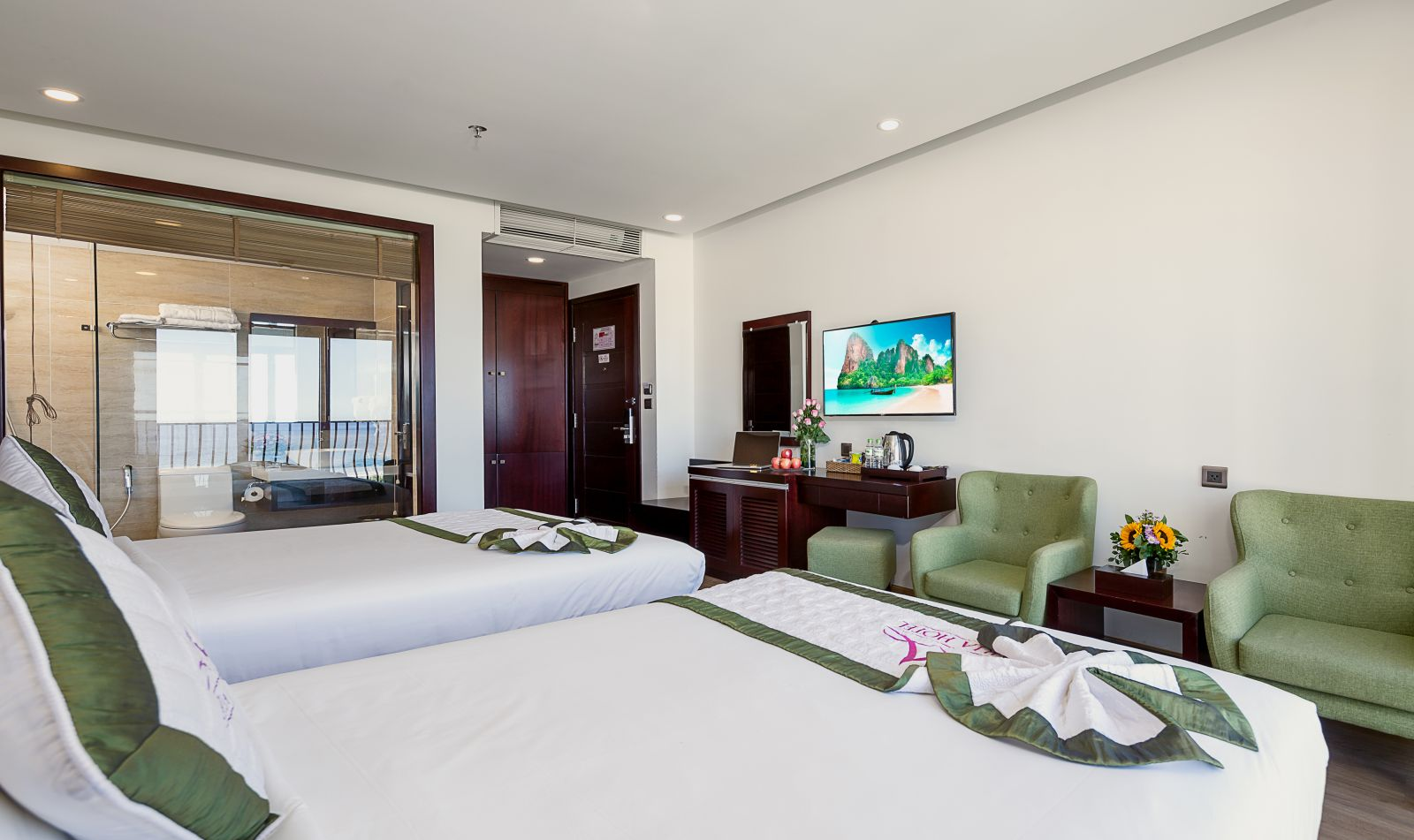PHÒNG DELUXE TWIN OCEAN VIEW WITH BALCONY
