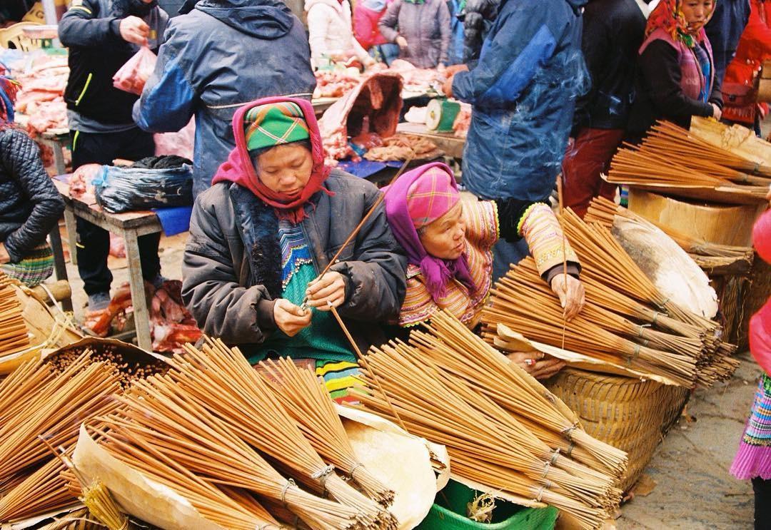 Chợ văn hoá Bắc Hà được họp vào chủ nhật hàng tuần