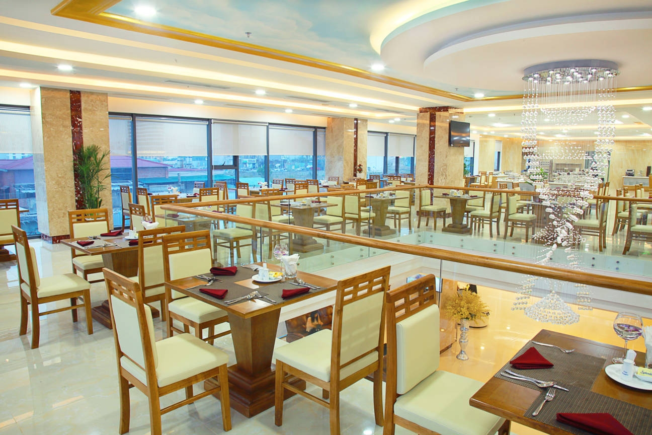 Nhà hàng khách sạn Serene Đà Nẵng 4 sao