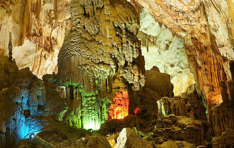 Vườn Quốc Gia Phong Nha Kẻ Bàng - Hệ thống nhũ đá vôi kỳ vỹ