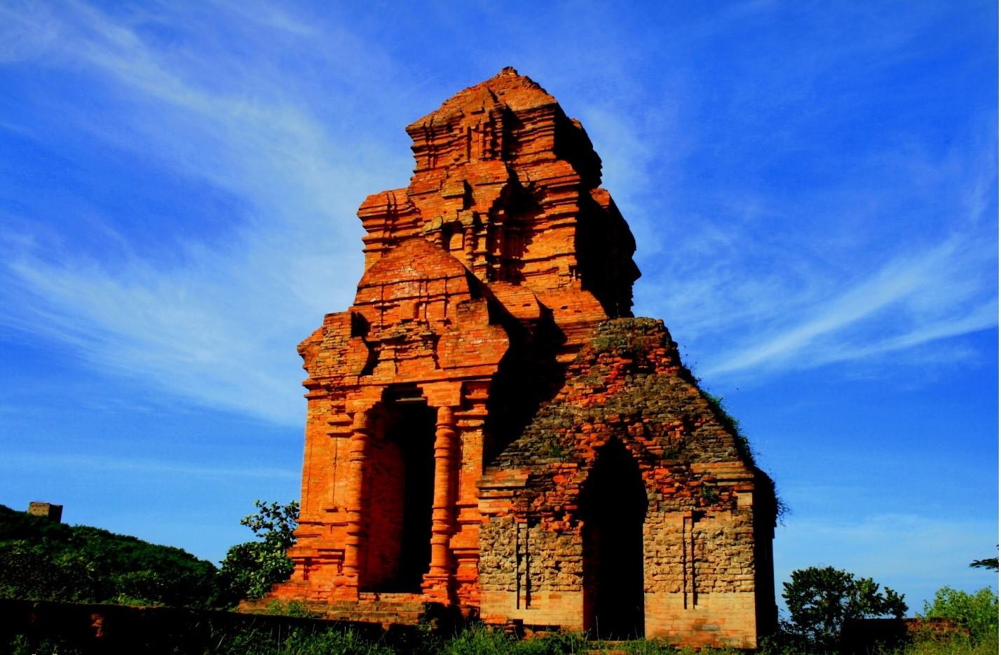 Tháp Poshanu - điểm đến không thể bỏ qua trong chuyến du lịch Phan Thiết